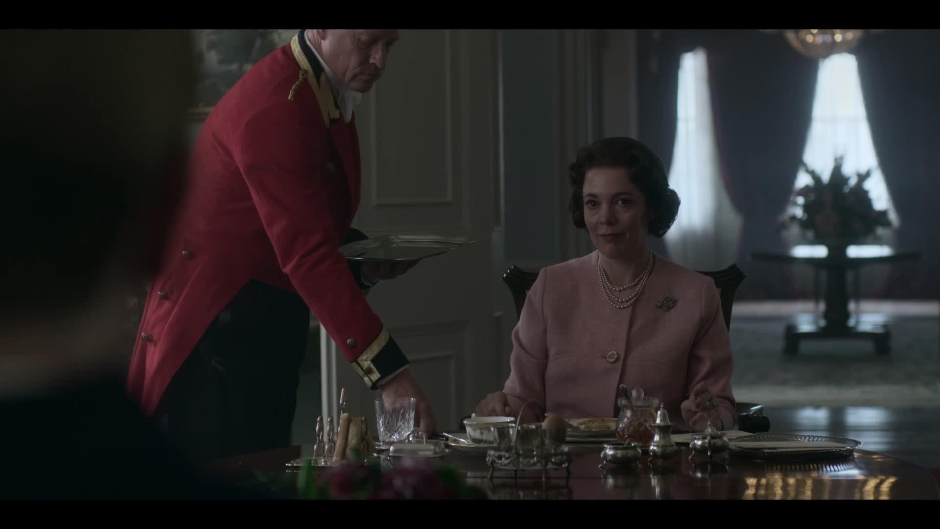 Koruna - The Crown S03E01 CZ dabing HD