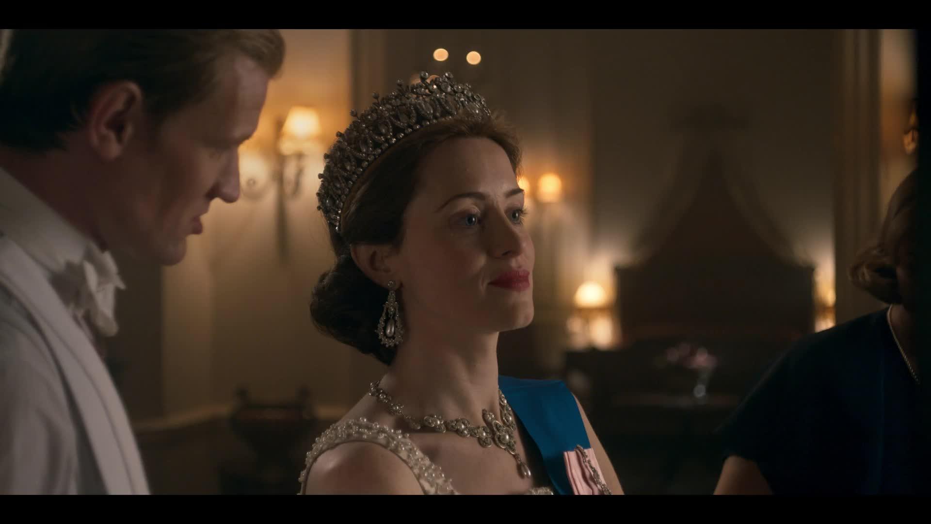Koruna - The Crown S02E01 CZ dabing