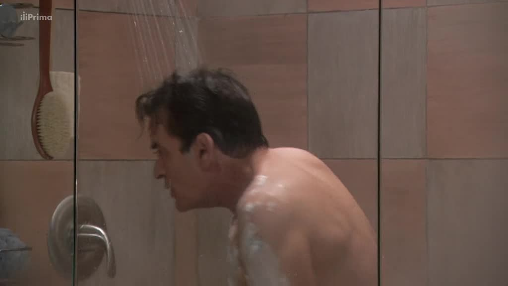 Kurz sebeovladani S01E05 Charlie presvedcuje Lori